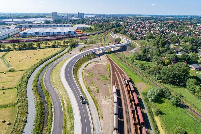 Bahnüberfuehrung Berliner Straße Brake
