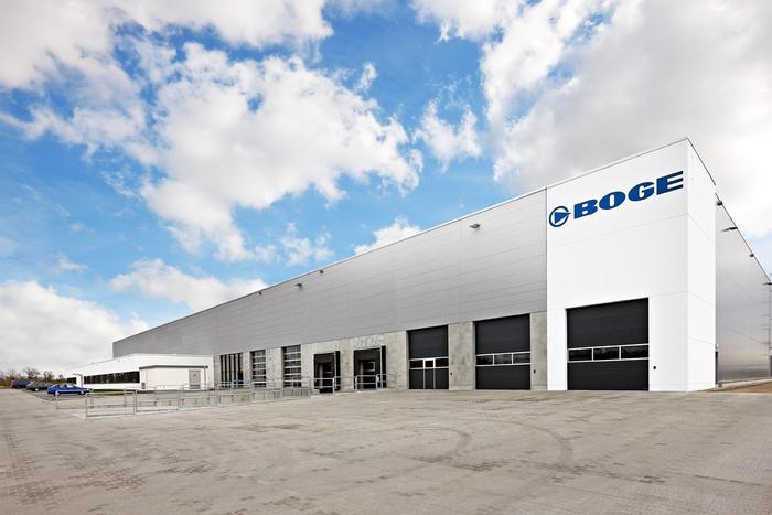 BOGE Kompressoren Großenhain, Produktionshalle mit Verwaltungsgebäude
