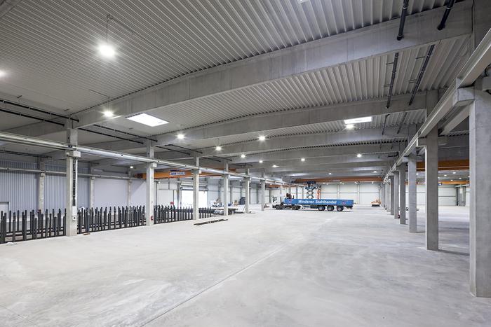 Mindener Stahlhandel GmbH, Produktionshalle mit Büro