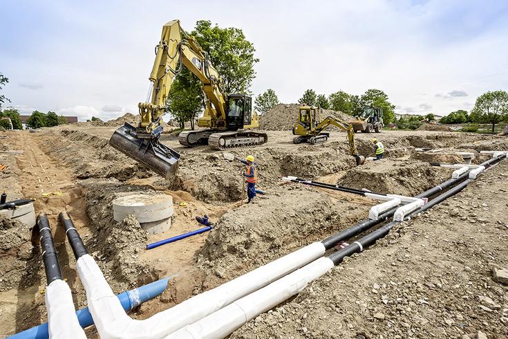 Baggerarbeiten bei Kanalverlegung